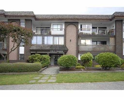 """Main Photo: 205 1585 E 4TH Avenue in Vancouver: Grandview VE Condo for sale in """"ALPINE PLACE"""" (Vancouver East)  : MLS®# V660323"""
