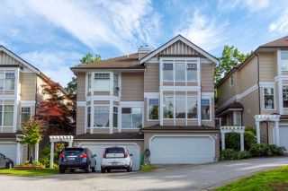 "Photo 1: 24 5950 OAKDALE Road in Burnaby: Oaklands Townhouse for sale in ""HEATHER CREST"" (Burnaby South)  : MLS®# R2474867"