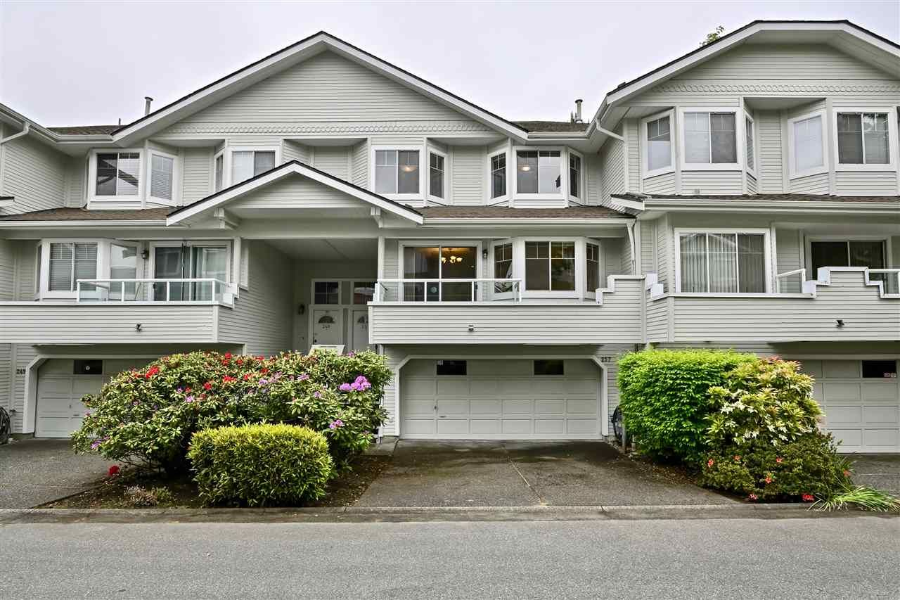 """Main Photo: 257 WATERLEIGH Drive in Vancouver: Marpole Townhouse for sale in """"SPRINGS AT LANGARA"""" (Vancouver West)  : MLS®# R2457587"""