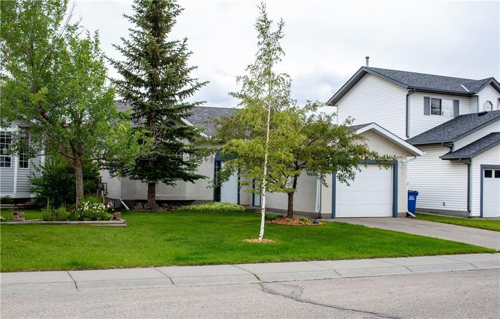 Main Photo: 4 WEST MCDOUGAL Road: Cochrane House for sale : MLS®# C4194007