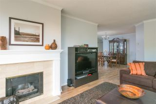 "Photo 4: 201 106 W KINGS Road in North Vancouver: Upper Lonsdale Condo for sale in ""Kings Court"" : MLS®# R2214893"