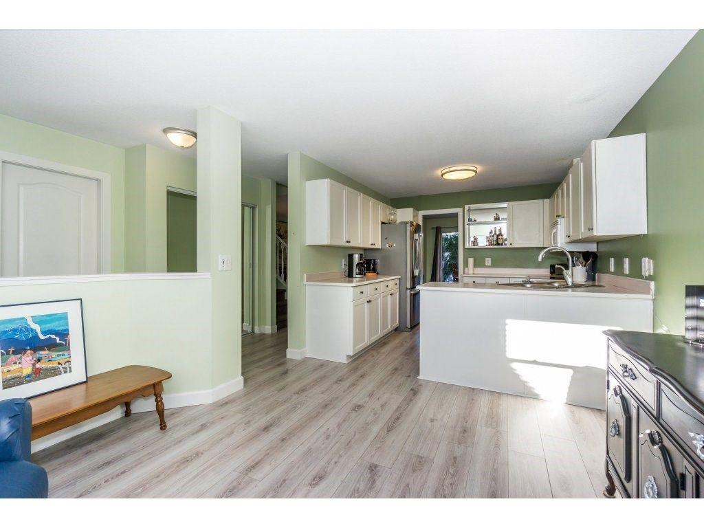 """Photo 5: Photos: 72 21928 48 Avenue in Langley: Murrayville Townhouse for sale in """"Murray Glen"""" : MLS®# R2229327"""