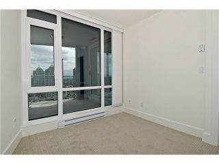 """Photo 10: 2109 4189 HALIFAX Street in Burnaby: Brentwood Park Condo for sale in """"AVIARA"""" (Burnaby North)  : MLS®# V1136442"""