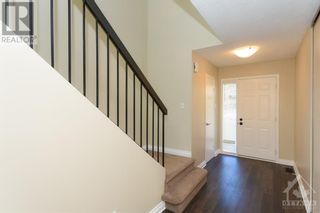 Photo 2: 23 SOVEREIGN AVENUE in Ottawa: House for sale : MLS®# 1261869
