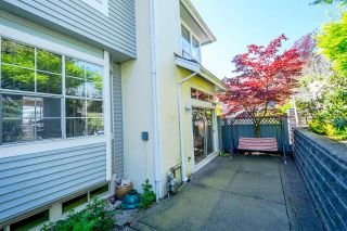 """Photo 11: 2201 PORTSIDE Court in Vancouver: Fraserview VE Townhouse for sale in """"RIVERSIDE TERRACE"""" (Vancouver East)  : MLS®# R2163820"""
