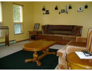 Photo 2: 311 PARKVIEW Street in WINNIPEG: St James Residential for sale (West Winnipeg)  : MLS®# 2910382