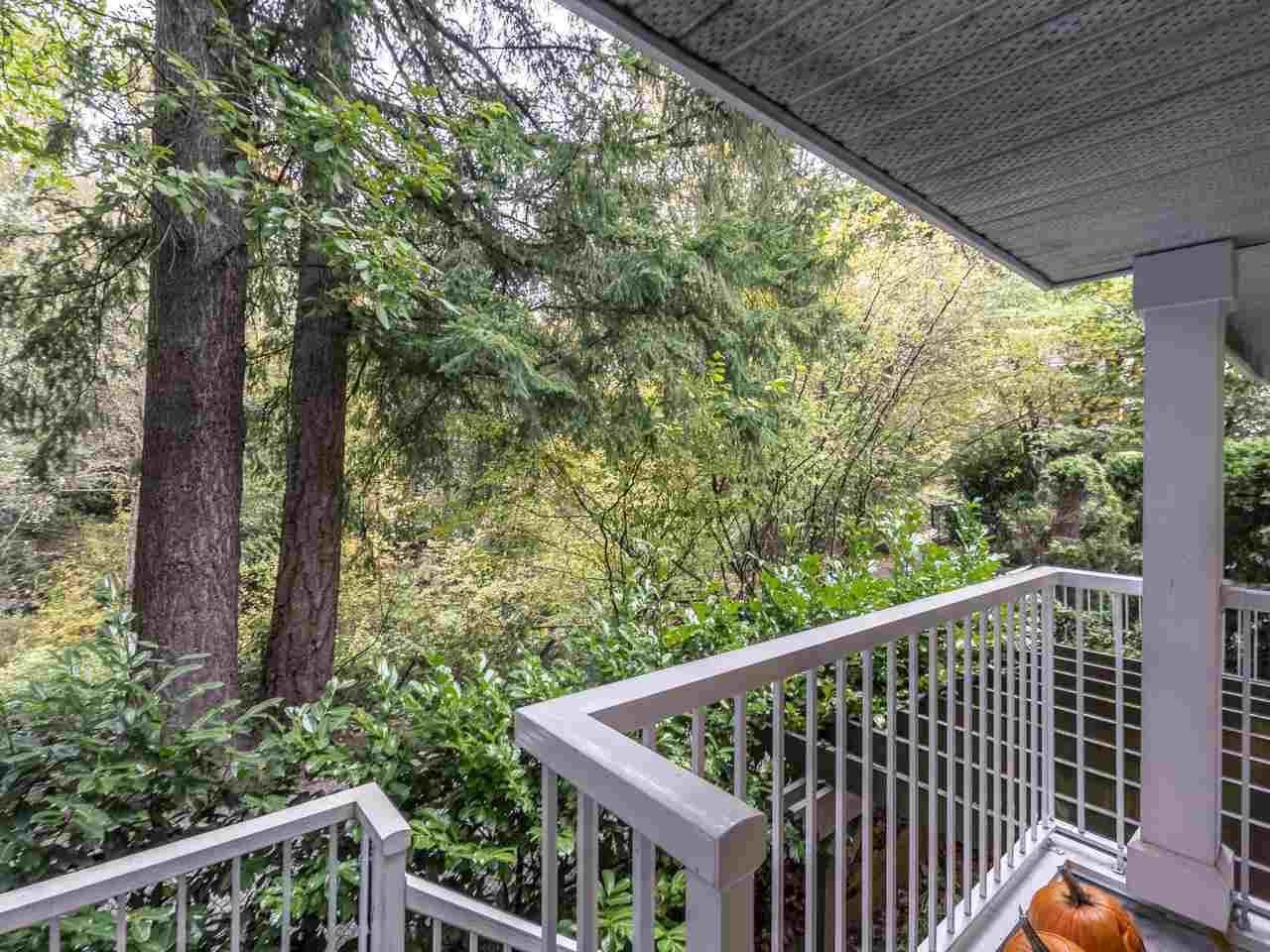 "Photo 11: Photos: 39 9036 208 Street in Langley: Walnut Grove Townhouse for sale in ""Hunter's Glen"" : MLS®# R2513931"
