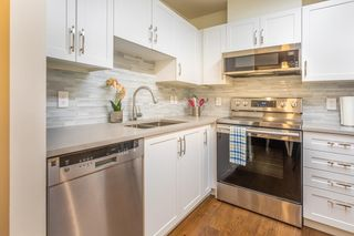 """Photo 4: 201 3583 CROWLEY Drive in Vancouver: Collingwood VE Condo for sale in """"AMBERLEY"""" (Vancouver East)  : MLS®# R2581170"""