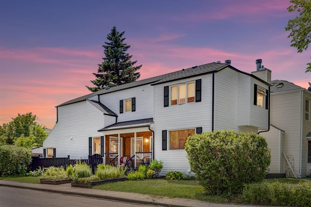 Main Photo: 2801 7 Avenue NW in Calgary: West Hillhurst Detached for sale : MLS®# A1128388