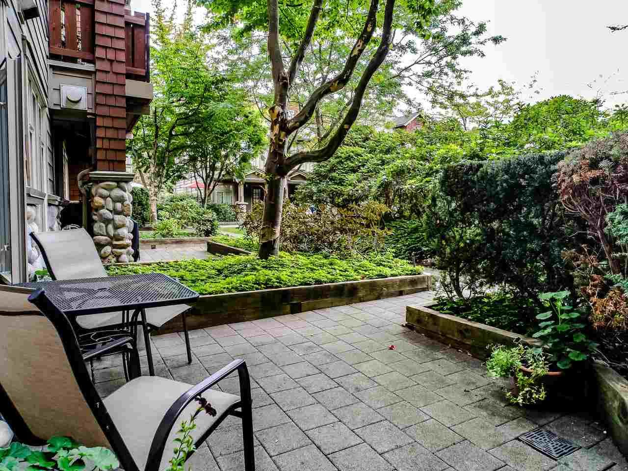 """Photo 6: Photos: 107 18 SMOKEY SMITH Place in New Westminster: GlenBrooke North Condo for sale in """"Crofton"""" : MLS®# R2493890"""