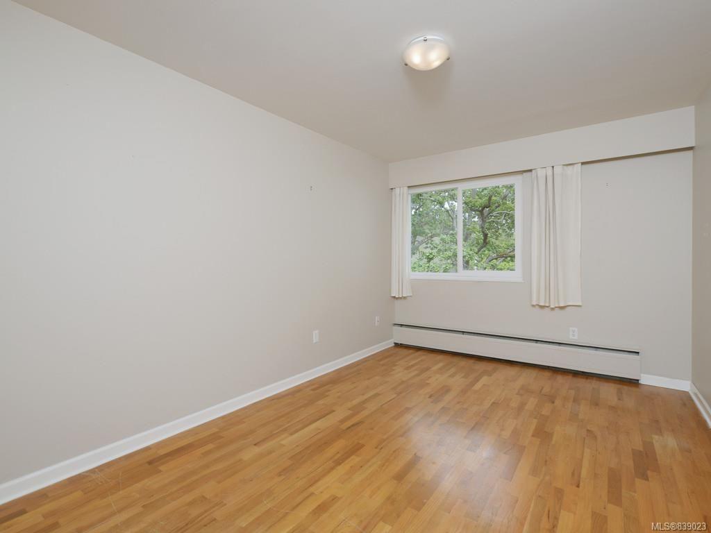 Photo 16: Photos: 203 1400 Newport Ave in Oak Bay: OB South Oak Bay Condo for sale : MLS®# 839023