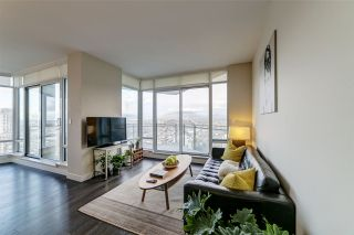 """Photo 4: 3702 2008 ROSSER Avenue in Burnaby: Brentwood Park Condo for sale in """"Stratus at Solo District"""" (Burnaby North)  : MLS®# R2426460"""