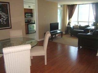 Photo 4: 9 30 Grand Trunk Crest in Toronto: Condo for sale (C01: TORONTO)  : MLS®# C1914833