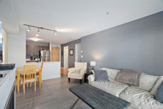 Photo 5: 102 797 Tyee Rd in : VW Victoria West Condo for sale (Victoria West)  : MLS®# 870880