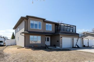 Photo 2: 311 3rd Street North in Wakaw: Residential for sale : MLS®# SK847388