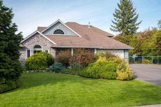 Photo 2: 5543 GROVE Avenue in Delta: Hawthorne House for sale (Ladner)  : MLS®# R2617603