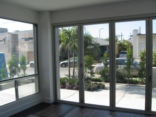 Photo 3: PACIFIC BEACH Townhouse for sale : 3 bedrooms : 705 Wrelton in San Diego