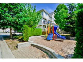 """Photo 2: 9 20159 68 Avenue in Langley: Willoughby Heights Townhouse for sale in """"VANTAGE"""" : MLS®# F1449062"""