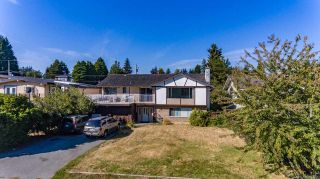 "Photo 3: 13861 MALABAR Avenue: White Rock House for sale in ""White Rock"" (South Surrey White Rock)  : MLS®# R2514273"
