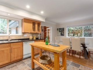Photo 11: 992 CANYON Boulevard in North Vancouver: Canyon Heights NV House for sale : MLS®# R2455224