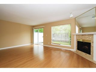 "Photo 9: 125 9978 151 Street in Surrey: Guildford Townhouse for sale in ""Sussex House"" (North Surrey)  : MLS®# F1414106"