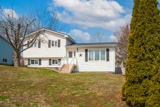 Photo 1: 2 Pinecrest Boulevard in Bridgewater: 405-Lunenburg County Residential for sale (South Shore)  : MLS®# 202109793