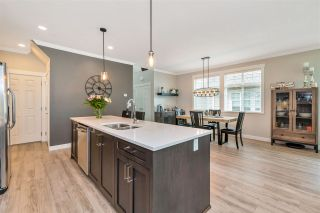 """Photo 5: 37 7138 210 Street in Langley: Willoughby Heights Townhouse for sale in """"Prestwick"""" : MLS®# R2473747"""