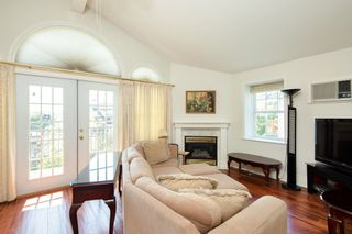 Photo 10: 8134 14TH Avenue in Burnaby: East Burnaby House for sale (Burnaby East)  : MLS®# R2396983