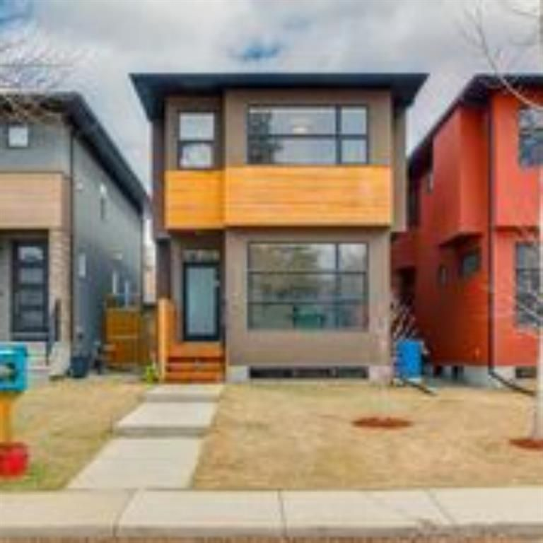 Main Photo: 3322 41 Street SW in Calgary: Glenbrook Detached for sale : MLS®# A1069634