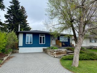 Main Photo: 126 Cornwallis Drive NW in Calgary: Cambrian Heights Detached for sale : MLS®# A1144858