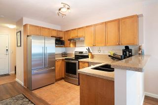 """Photo 4: 216 5355 BOUNDARY Road in Vancouver: Collingwood VE Condo for sale in """"CENTRAL PLACE"""" (Vancouver East)  : MLS®# R2575646"""