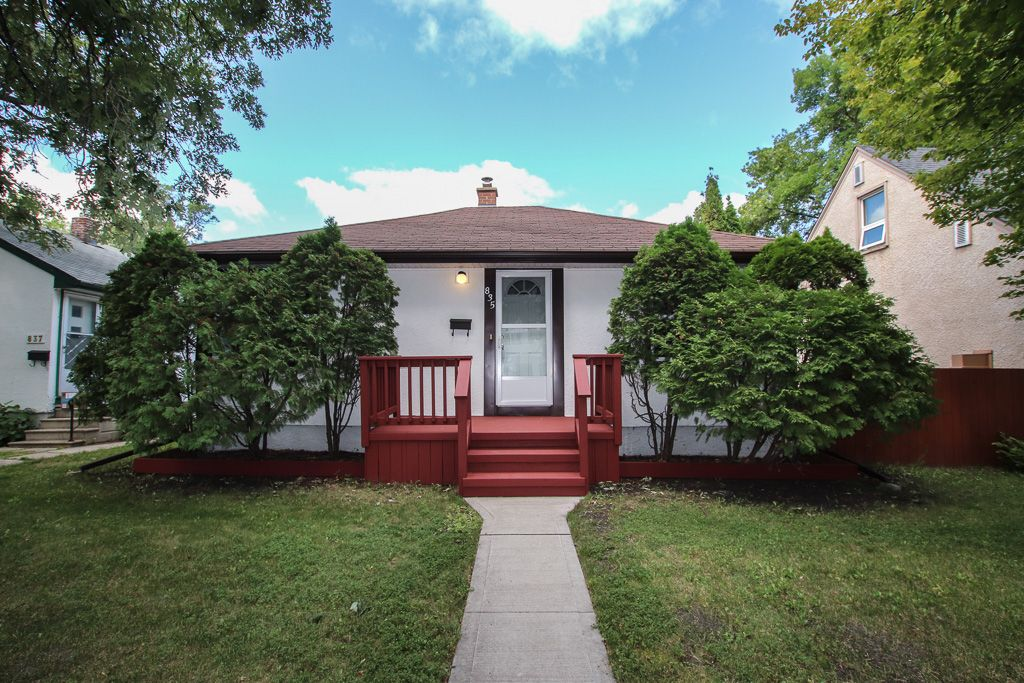 Main Photo: 835 Cambridge Street in Winnipeg: River Heights House for sale (1D)  : MLS®# 1921719