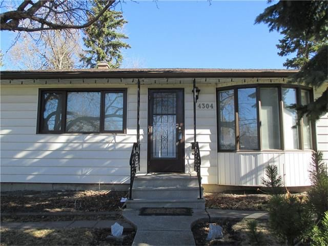 Main Photo: 4304 30 Avenue SW in Calgary: Glenbrook House for sale : MLS®# C4074182