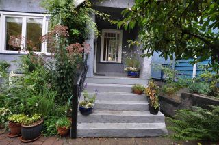 """Photo 13: 1607 E 14TH Avenue in Vancouver: Grandview VE House for sale in """"GRANDVIEW WOODLAND"""" (Vancouver East)  : MLS®# R2311671"""