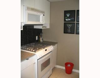 """Photo 3: 2509 939 EXPO Boulevard in Vancouver: Downtown VW Condo for sale in """"MAX 2"""" (Vancouver West)  : MLS®# V700944"""