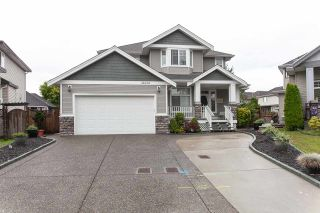 Photo 1: 16654 64 Avenue in Surrey: Cloverdale BC House for sale (Cloverdale)  : MLS®# R2305769
