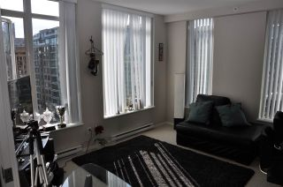 """Photo 4: 1607 1001 HOMER Street in Vancouver: Yaletown Condo for sale in """"THE BENTLEY"""" (Vancouver West)  : MLS®# R2196793"""
