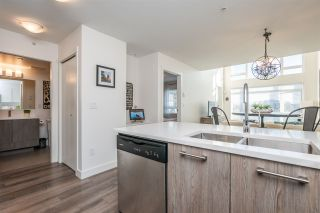 "Photo 10: 516 2525 CLARKE Street in Port Moody: Port Moody Centre Condo for sale in ""THE STRAND"" : MLS®# R2531825"