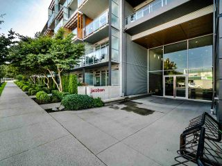 "Photo 2: 222 256 E 2ND Avenue in Vancouver: Mount Pleasant VE Condo for sale in ""Jacobsen"" (Vancouver East)  : MLS®# R2495462"
