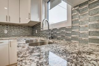 Photo 11: 10359 149 Street in Edmonton: Zone 21 House Half Duplex for sale : MLS®# E4246600