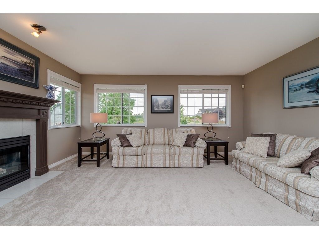"""Photo 8: Photos: 27091 24A Avenue in Langley: Aldergrove Langley House for sale in """"South Aldergrove"""" : MLS®# R2080123"""