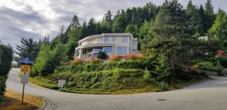 Main Photo: 4809 NORTHWOOD Place in West Vancouver: Cypress Park Estates House for sale : MLS®# R2578261
