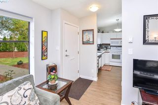 Photo 2: 1 4140 Interurban Rd in VICTORIA: SW Strawberry Vale Row/Townhouse for sale (Saanich West)  : MLS®# 824614