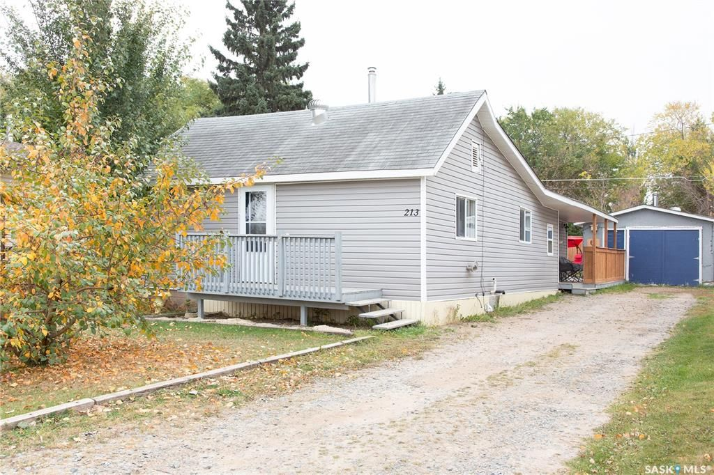 Main Photo: 213 5th Avenue West in Shellbrook: Residential for sale : MLS®# SK873771