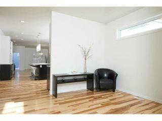 Photo 2: 356 Lindsay Street in WINNIPEG: River Heights / Tuxedo / Linden Woods Residential for sale (South Winnipeg)  : MLS®# 1303569