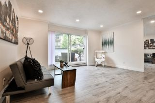 """Photo 2: 981 HOWIE Avenue in Coquitlam: Central Coquitlam Townhouse for sale in """"OAKWOOD"""" : MLS®# R2494241"""