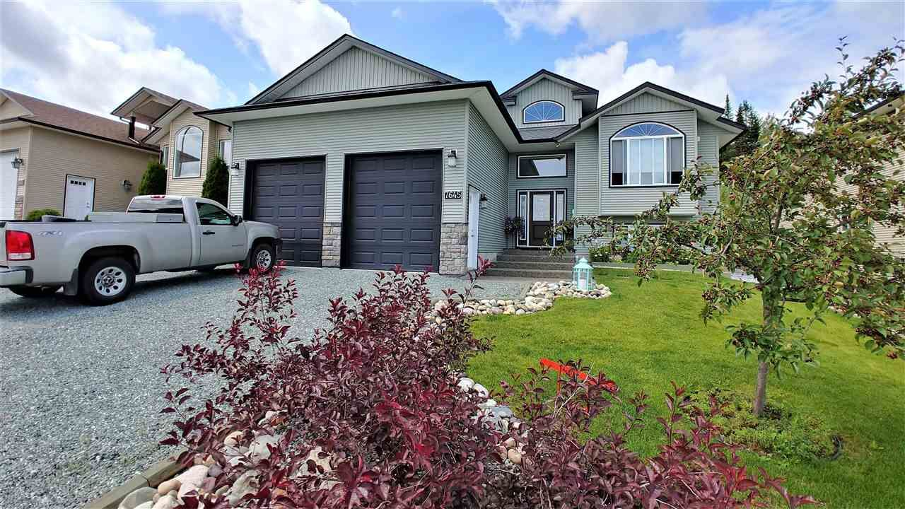 """Main Photo: 7645 GRAYSHELL Road in Prince George: St. Lawrence Heights House for sale in """"ST LAWRENCE HEIGHTS"""" (PG City South (Zone 74))  : MLS®# R2392835"""