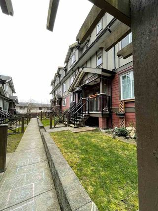 "Photo 3: 115 3333 DEWDNEY TRUNK Road in Port Moody: Port Moody Centre Townhouse for sale in ""CENTREPOINT"" : MLS®# R2561726"