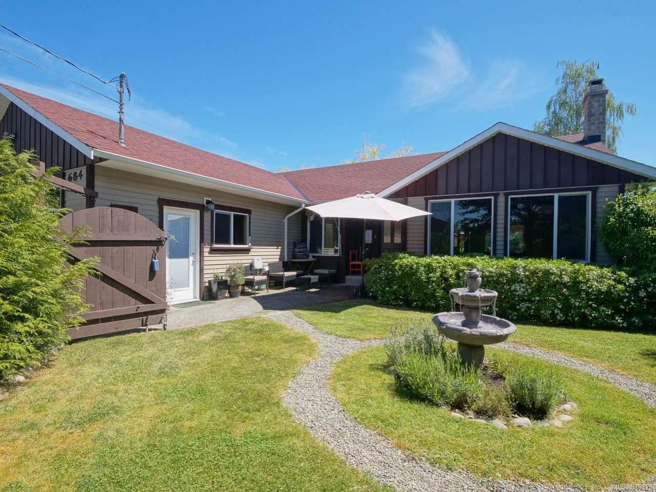 Main Photo: 684 PHILLIPS STREET in PARKSVILLE: PQ Parksville House for sale (Parksville/Qualicum)  : MLS®# 819328