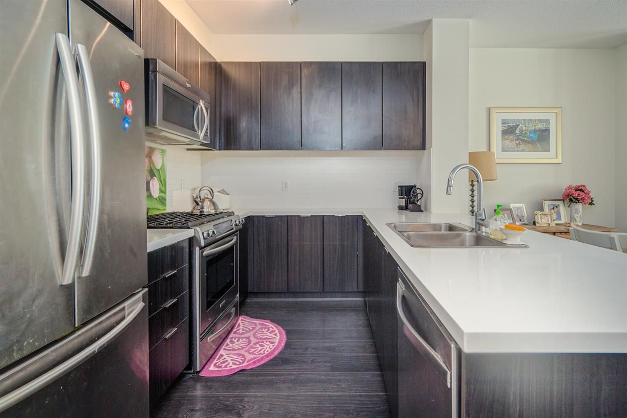 """Photo 7: Photos: 216 3107 WINDSOR Gate in Coquitlam: New Horizons Condo for sale in """"BRADLEY HOUSE"""" : MLS®# R2481599"""